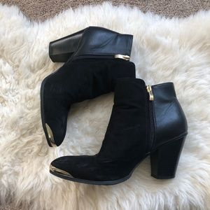 Just Fab 8.5 gold tipped ankle booties